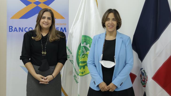 Capacitarán mujeres de La Vega en finanzas personales